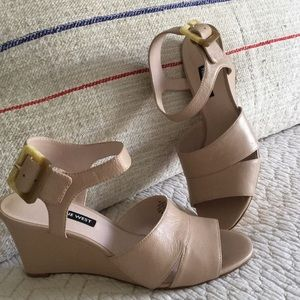 Never worn Nibe West wedge sandal